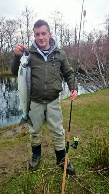 Johnny Ciconte col suo pesce dalla long Hole il 27 marzo.